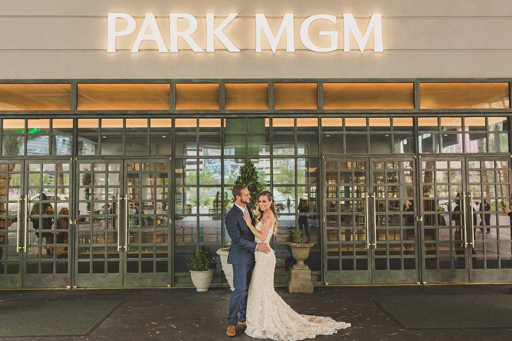 Park Mgm Wedding Las Vegas Styled Shoot Wedding Inspiration In 2020 Las Vegas Weddings Vegas Style La Wedding