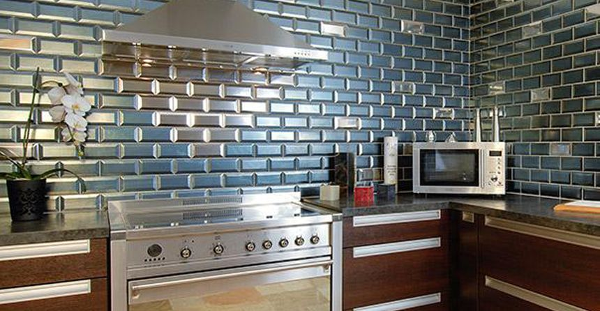 1000 ideas about credence inox on pinterest carrelage inox cuisine en inox and mosaique live - Faience Metro