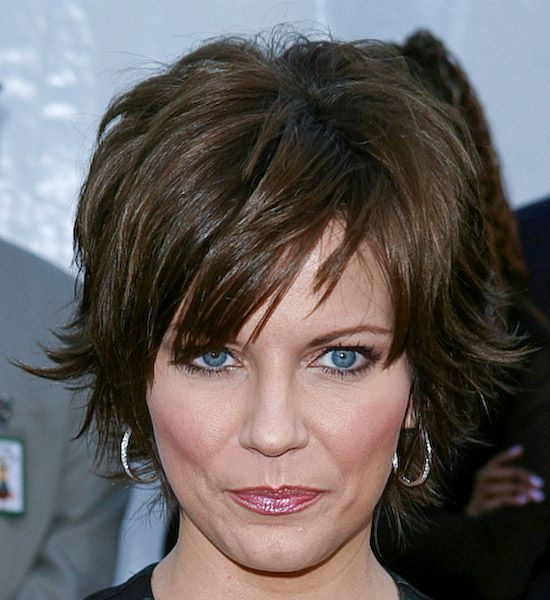 Cute - short- flippy hair on Martina McBride! Glam! Pinterest - cortes de cabello modernos para mujer