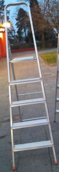 Verkaufe eine Alu Leiter in Lübeck!!   Impressum  Waschmaschinenwelt Michael Möller Tel. 015234279121 Ostpreussenring 4 23569 Lübeck (Kücknitz) Mail: moellers@waschmaschinenwelt.de  (Finanzamt Lübeck)