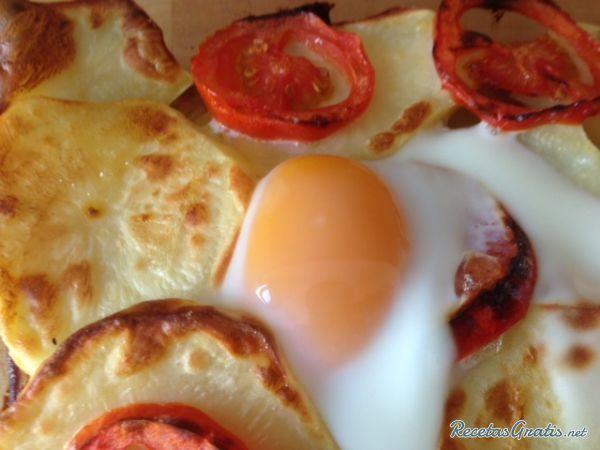 Receta de Patatas al horno con huevo