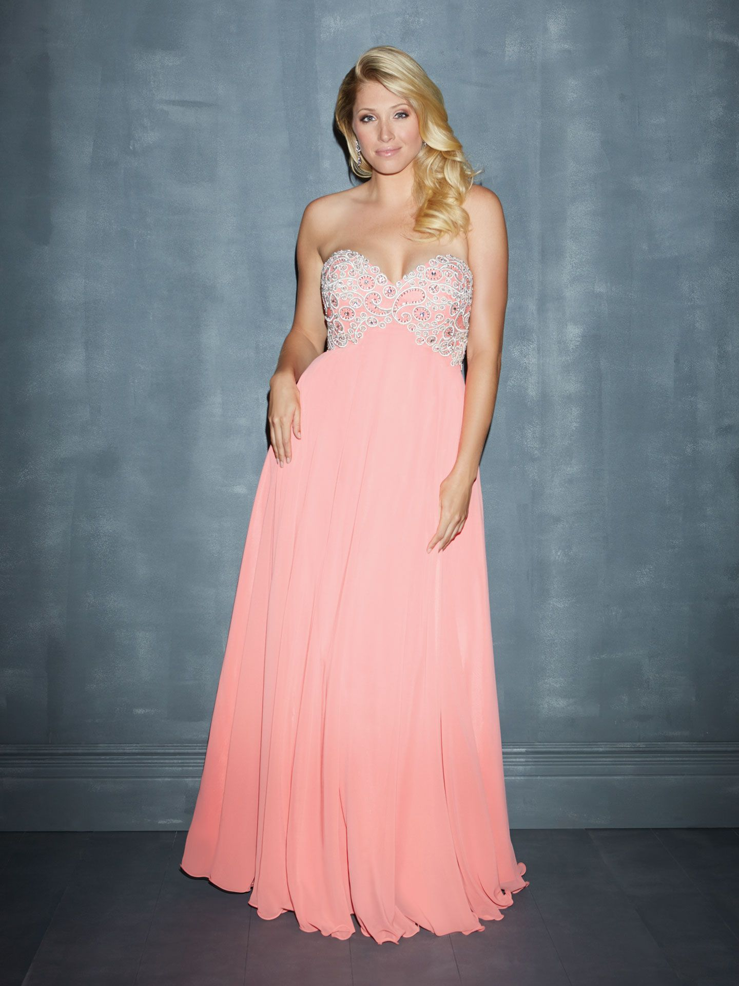 16 Hot AF Plus Size Prom Dresses That Will Slay Prom Night   Pinterest