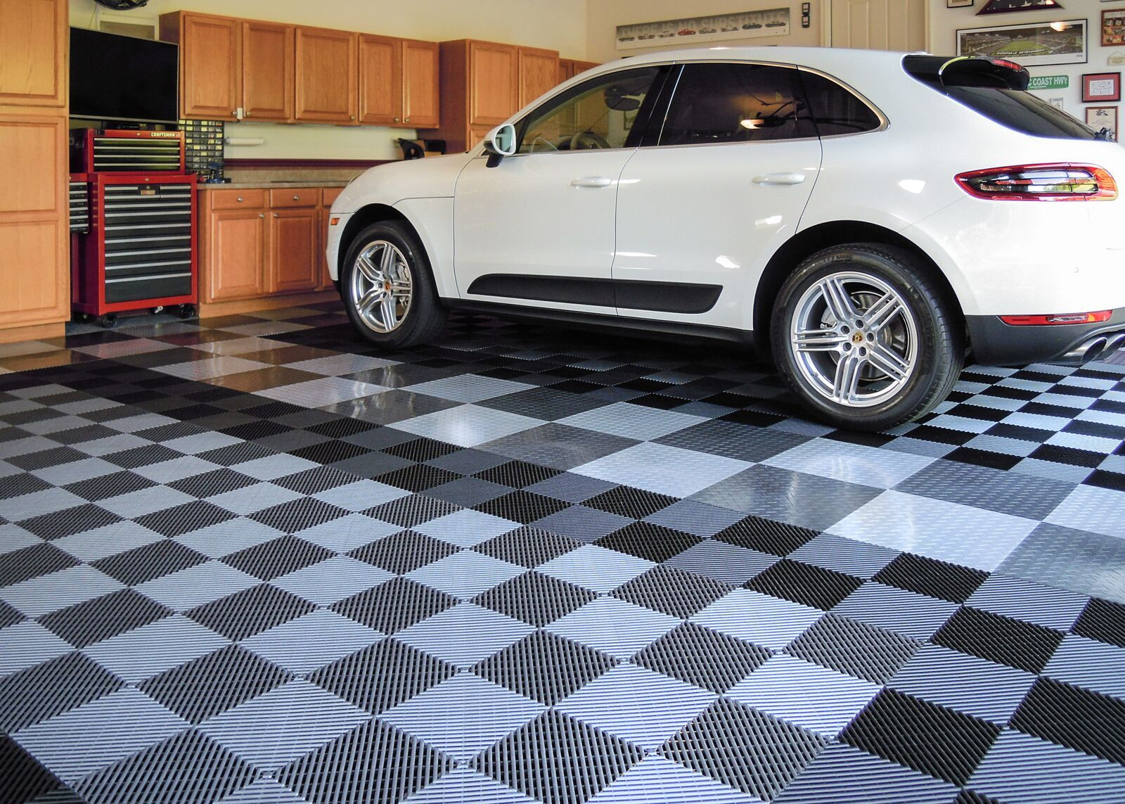 Garage Floor Tiles That Drain Race Deck Free Flow Drain Top Tiles Interlocking Garage Flooring