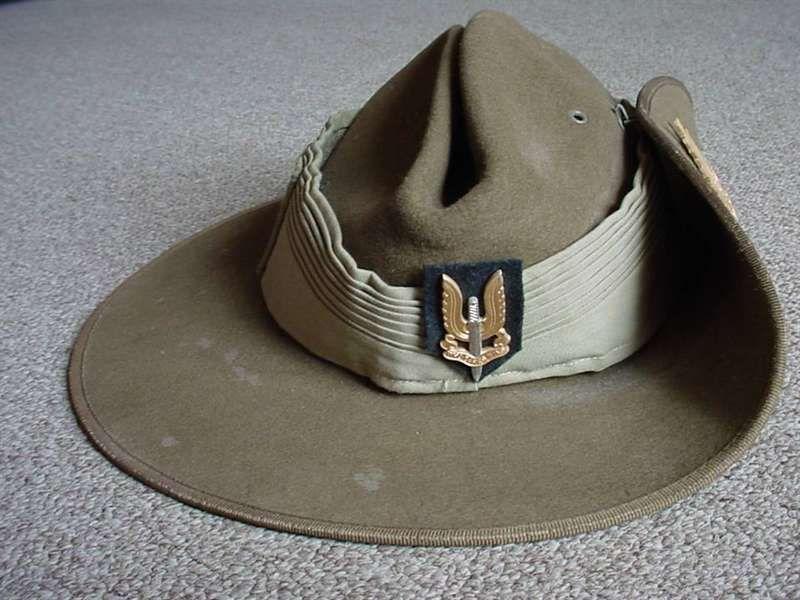 1325e811eca Australian Special Air Service slouch hat (Hat Khaki Fur Felt) with bi-metal