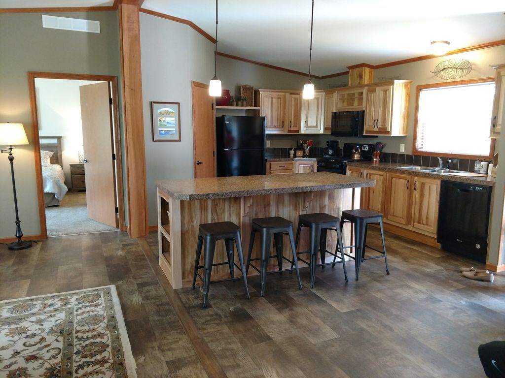 New 4 Bedroom within Deep Lake Campground and near Dells