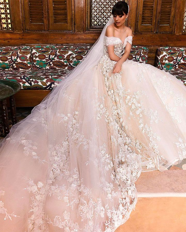 Off the shoulder wedding dress | Romantic Wedding Dresses | itakeyou.co.uk #weddingdress #bridalgown #bridaldress #wedidnggown #ballgown #romantic
