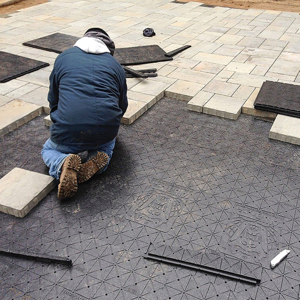 Paver Patios That Will Save You  TONS  Of Time And Effort is part of Paver patio, Patio pavers design, Diy patio pavers, Patio installation, Diy patio, Patio stones - A simple system for installing flat and level pavers
