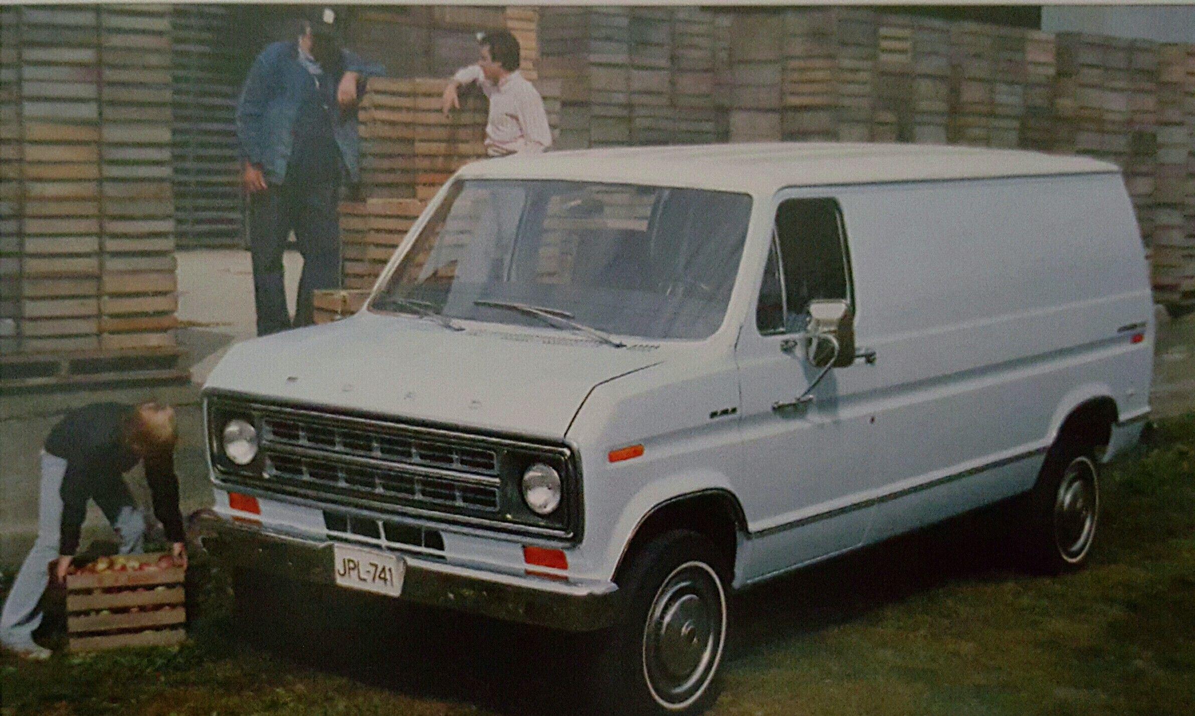 1975 Ford Econoline E150 Van Autos Und Motorrader Autos Motorrad