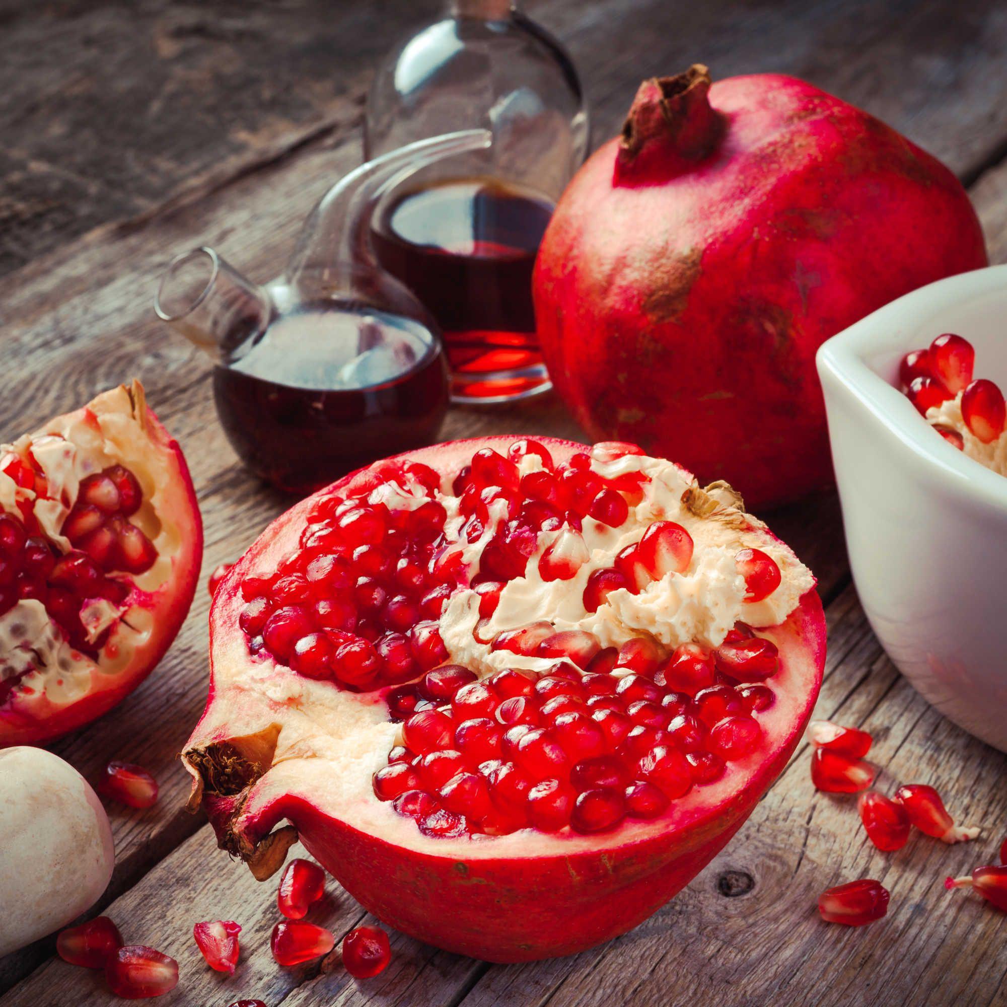 How To Make Pomegranate Vinegar.