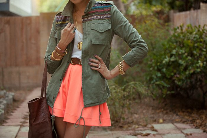 Army green + coral I'm so into coral these days, usually with mint green. Army green is perf for a little more subtlety