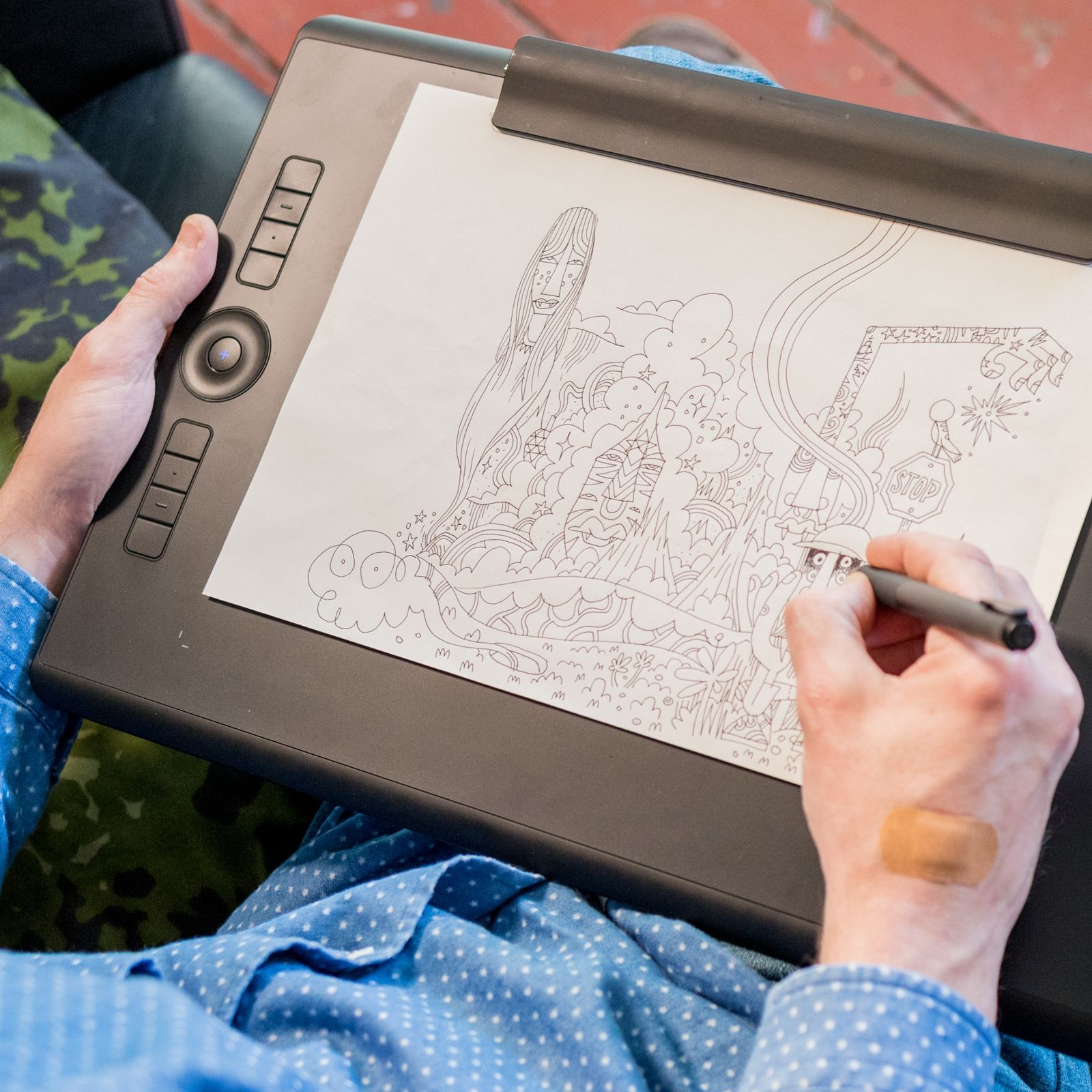 Draw on paper and screen at the same time, with the new Wacom Intuos