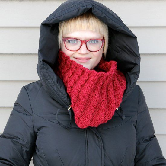 A knitting pattern for a seamless cowl featuring lots of ...