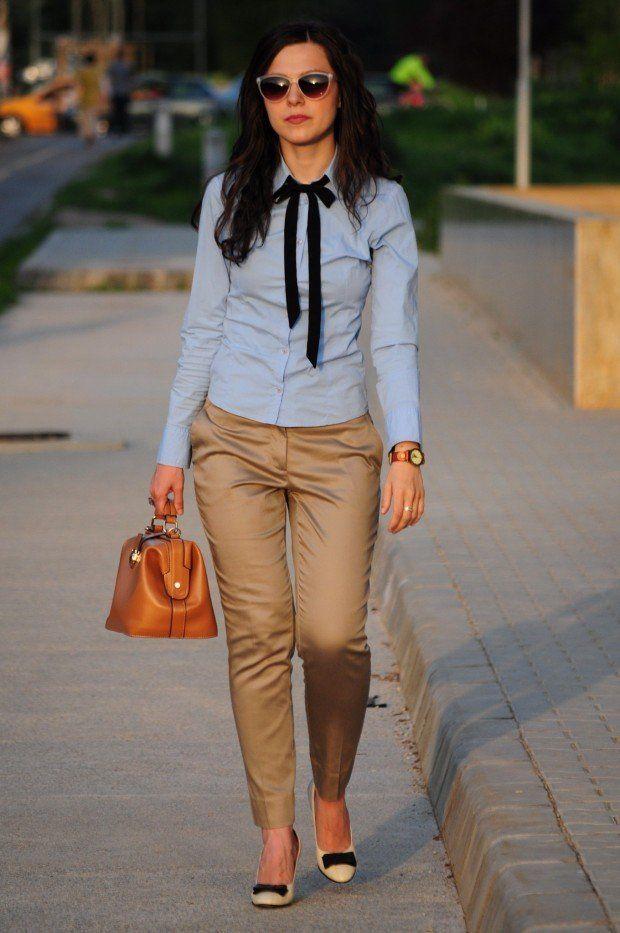 pantalón y blusa de rayas (azul y blanca)