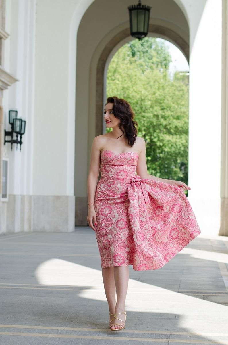 Retro Style * Retro Dress * Retro Hairstyle * Pink Dress * Wedding ...