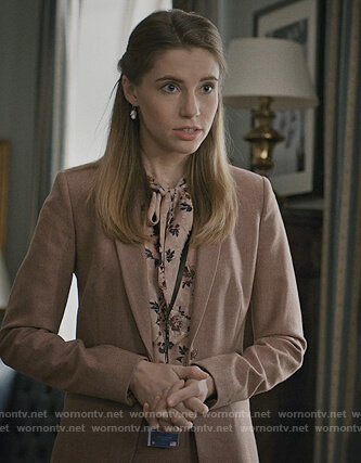 Madam Secretary Outfits At Wornontv Net Secretary Outfits Madam Secretary Butterfly Print Dress