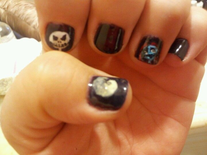 Nightmare Before Christmas Nails (Jack and Sally) | CosmoFaerie ...