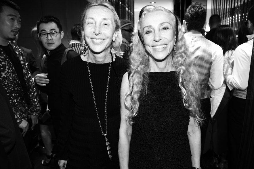2 really powerful italian sisters in Milan: concept store 10 Corso Como creator, Carla Sozzani and Franca Sozzani, Chief Editor of Vogue Italia www.alidifirenze.fr