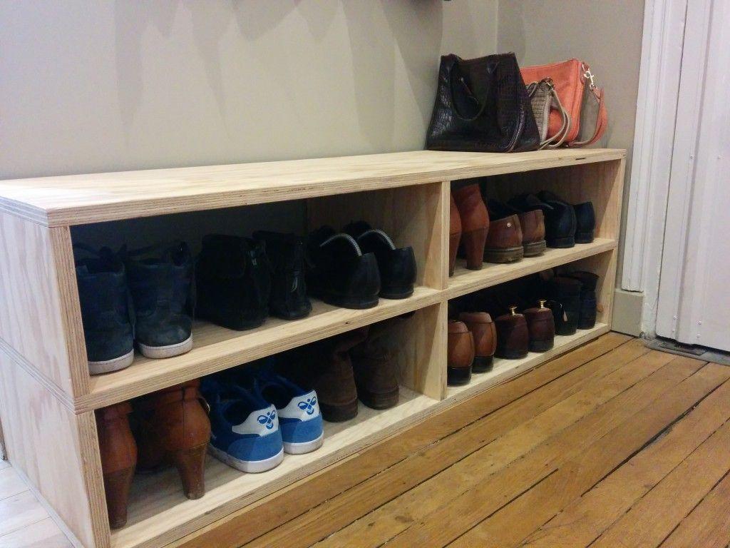 Le banc pour ranger les chaussures dans l entr e fait par for Banc chaussures entree