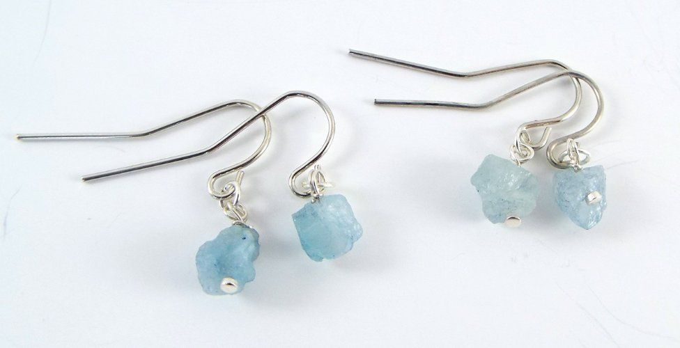 These beautiful earrings are small, simple, lightweight and feature raw, genuine…