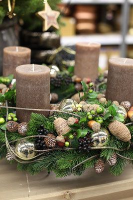 how to make christmas centerpiece brown candles oh beautiful rh pinterest com