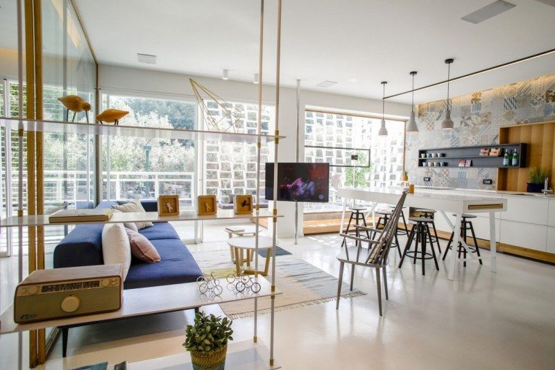 offener Gemeinschaftsraum - Küche und Wohnzimmer in Eins Dita - grose moderne wohnzimmer