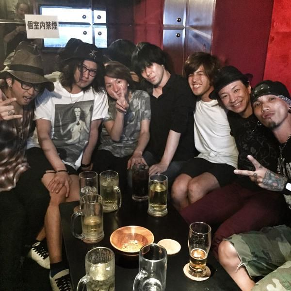 Toshiya with other bassists. What about Reita from the GazettE? Our little Reirei wasn't invited...just like me, I'm never invited to anything. (T_T)