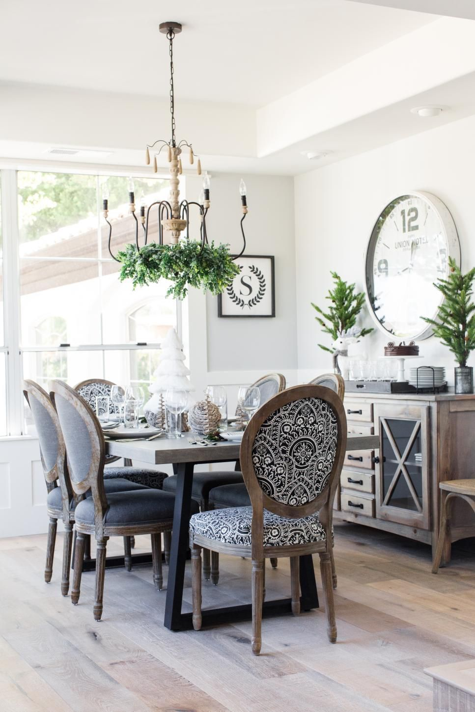Make Your Light Fixture The Centerpiece Of Your Gathering Spot With These Elegant French Country Dining Room Farmhouse Dining Rooms Decor Country Dining Rooms