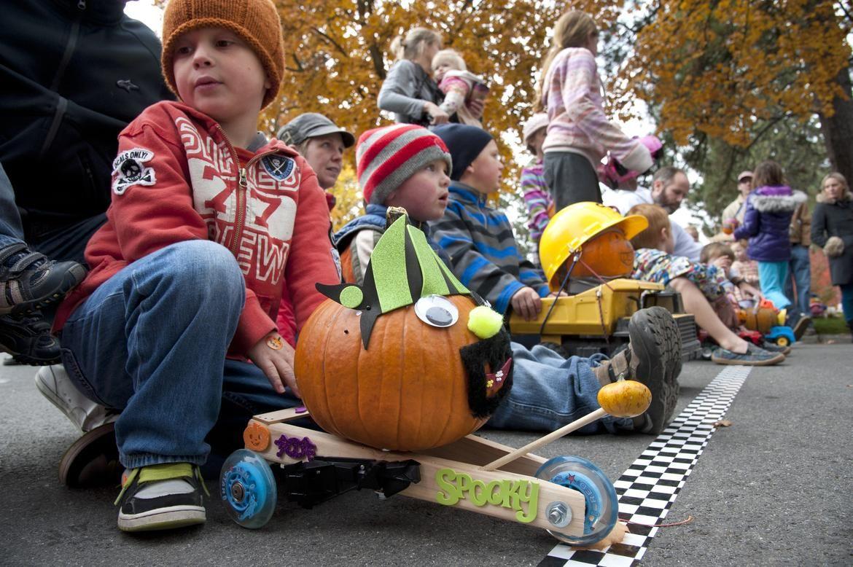 Great Pumpkin Race Halloween party kids, Pumpkin, Racing