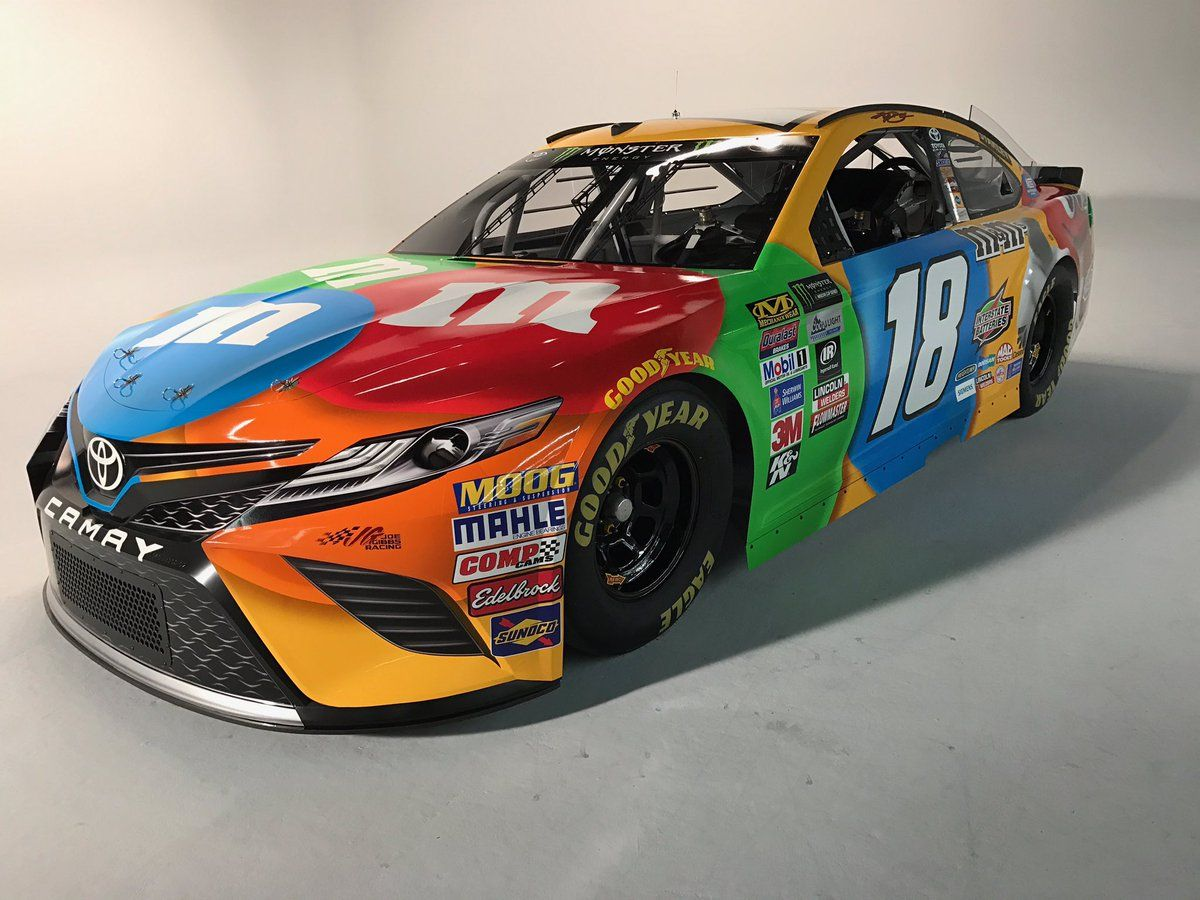 2018 18 Toyota Camry Driven By Kyle Busch In The Nascar Cup Series Circuit For Joe Gibbs Racing