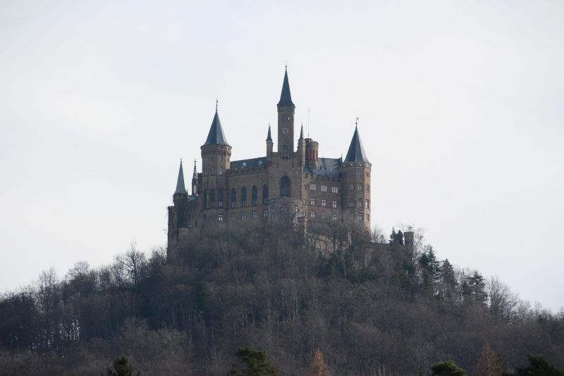 Prunk Und Glamour Der Burg Hohenzollern Der Schonsten Burg In Baden Wurtemberg Burgen Und Schlosser Burg Deutschland Burgen