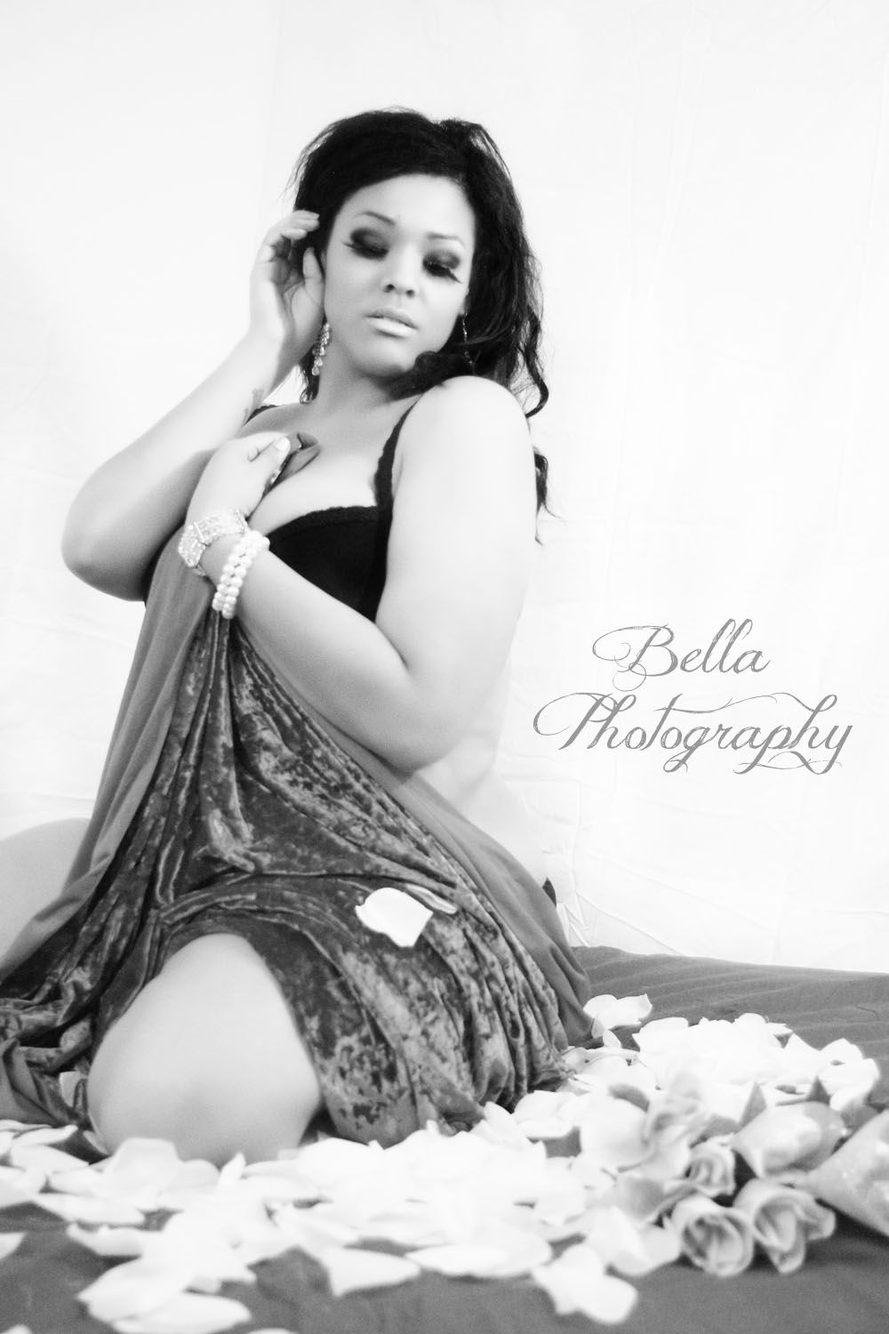 Valentines Day Boudoir Sensual Photography Full Figured Model Portrait