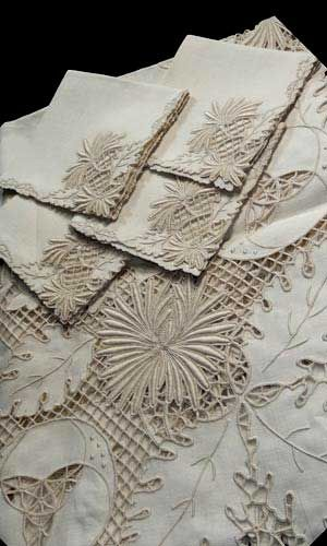Pin By Theresa Rosado On Embroidery Vintage Linens Vintage