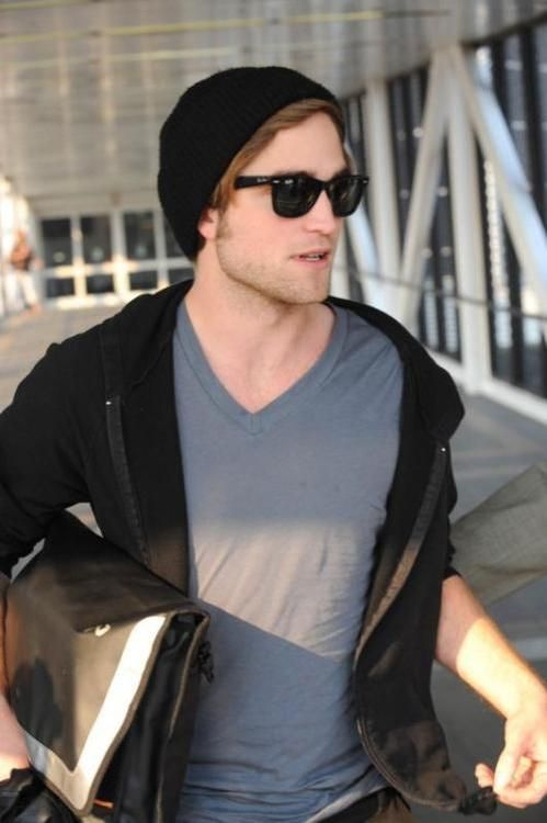 6af1d70181 Original Wayfarer Sunglasses - As Seen On Rob Pattinson - Designed By Ray- ban