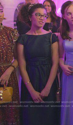 "The Baby-Sitters Club ""Kristy\'s Big Day"" Fashion: Season 1 Episode 8 | WornOnTV"