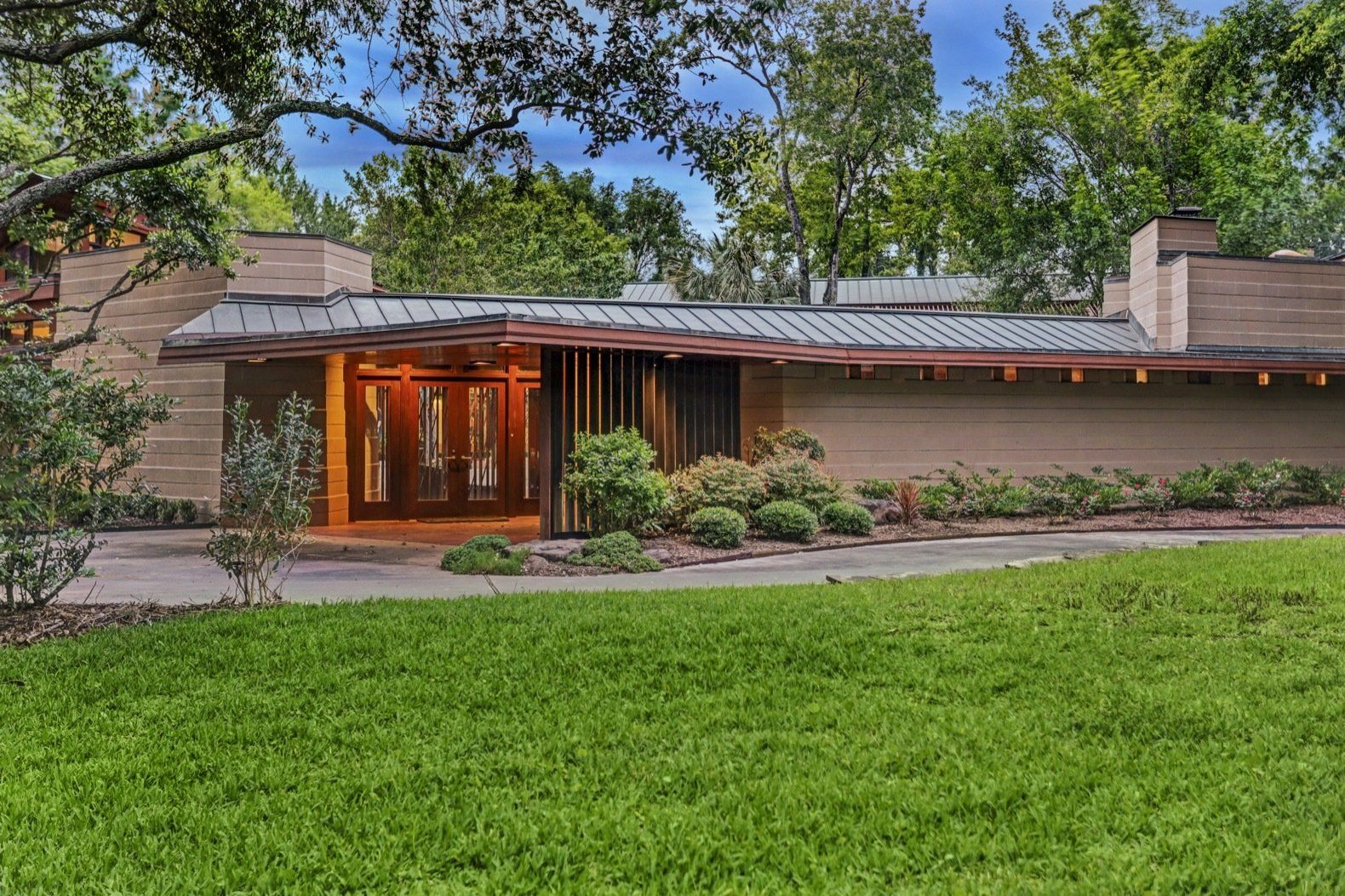 Thaxton House By Frank Lloyd Wright Frank Lloyd Wright Homes Prairie Style Houses Modern Homes For Sale
