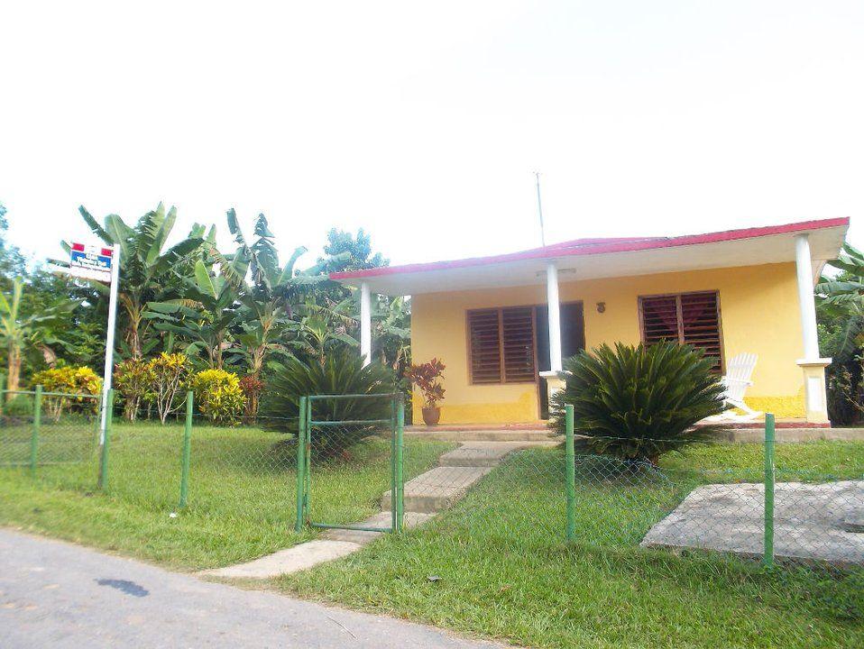 Casa Victoria y Yoel Vinales  Cuba #bandbcuba #casaparticular #travel #cubatravel #casacuba