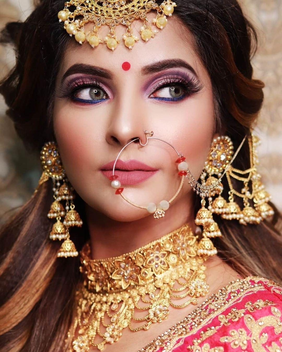 Indian Bridal Look In 2020 Indian Bride Makeup Best Bridal Makeup Bridal Makeup Looks