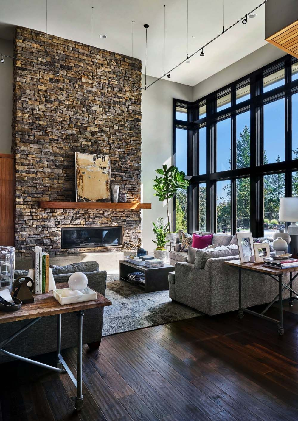 Luminous Contemporary Family Home In Oregon With Spa Like