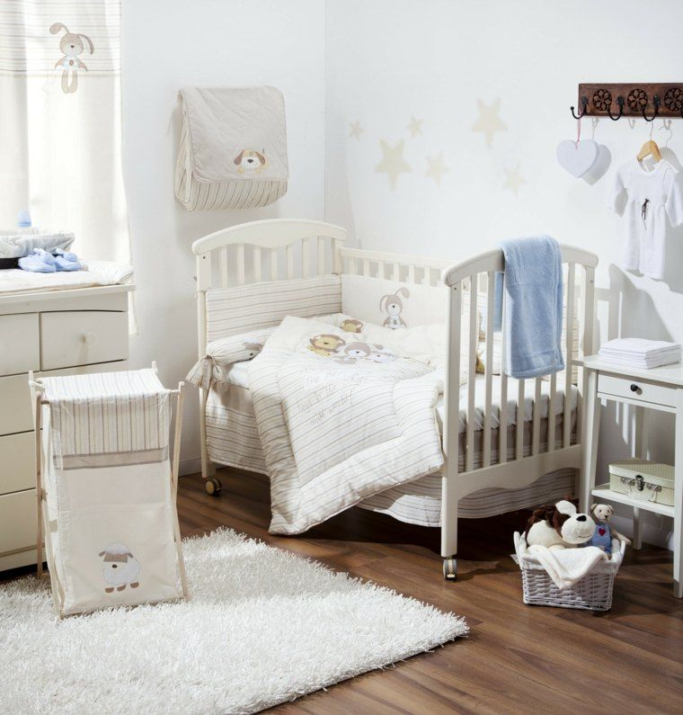 dormitorio decorado con tonos neutros