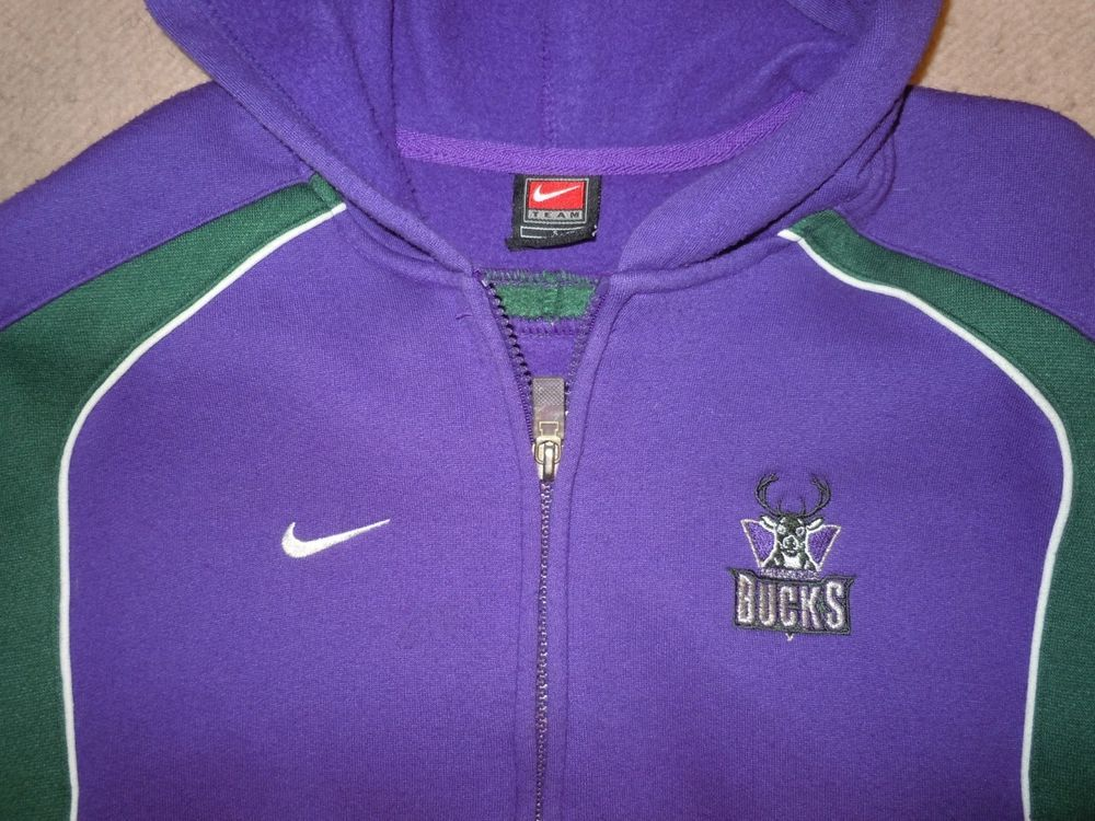online store 5d69f f66bc Nike Milwaukee Bucks Womens zip up hooded size small or ...