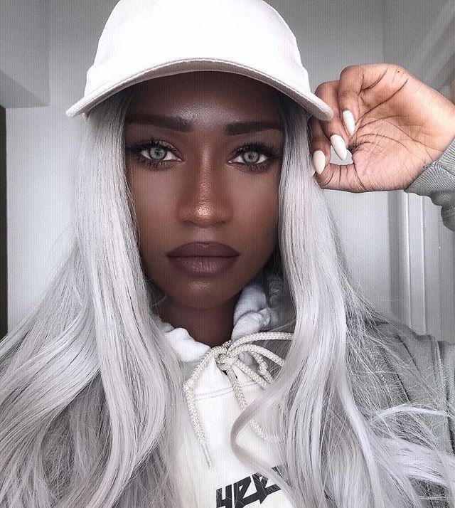 порно белые волосы на пизде фото