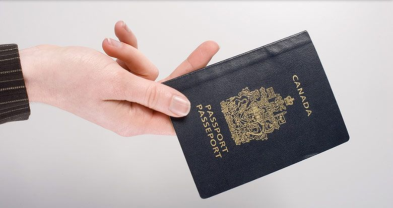 A Quick Guide to Becoming a Canadian Citizen http://blog.ashtoncollege.com/a-quick-guide-to-becoming-a-canadian-citizen/