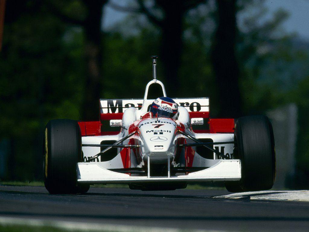 Mika Häkkinen (Marlboro McLaren Mercedes), McLaren MP4/11 ...