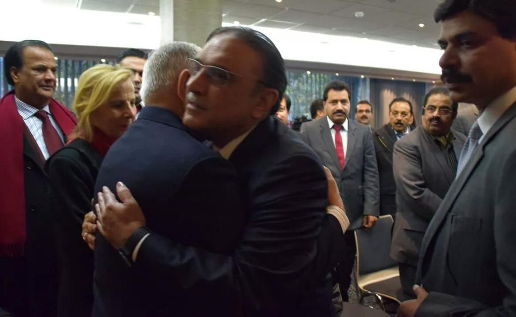 @aghappp A real leader with A real old family  memeber Co Chairman Asif Ali Zardari    with Bashir Riaz  emotionally Hug.