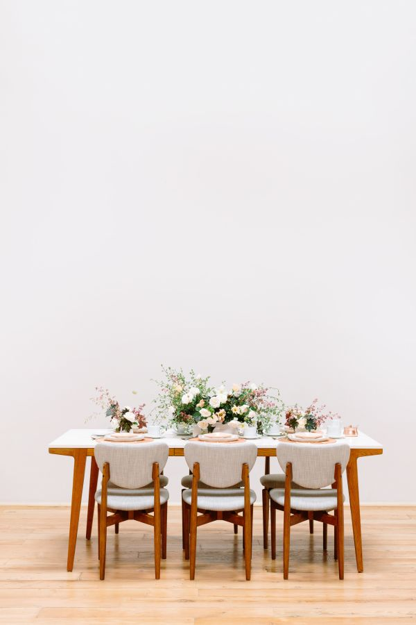 Modern vintage party table decor: http://www.stylemepretty.com/living/2016/10/03/tea-time-just-got-a-whole-lot-cooler/ Photography: Anna Wu - http://annawu.com/