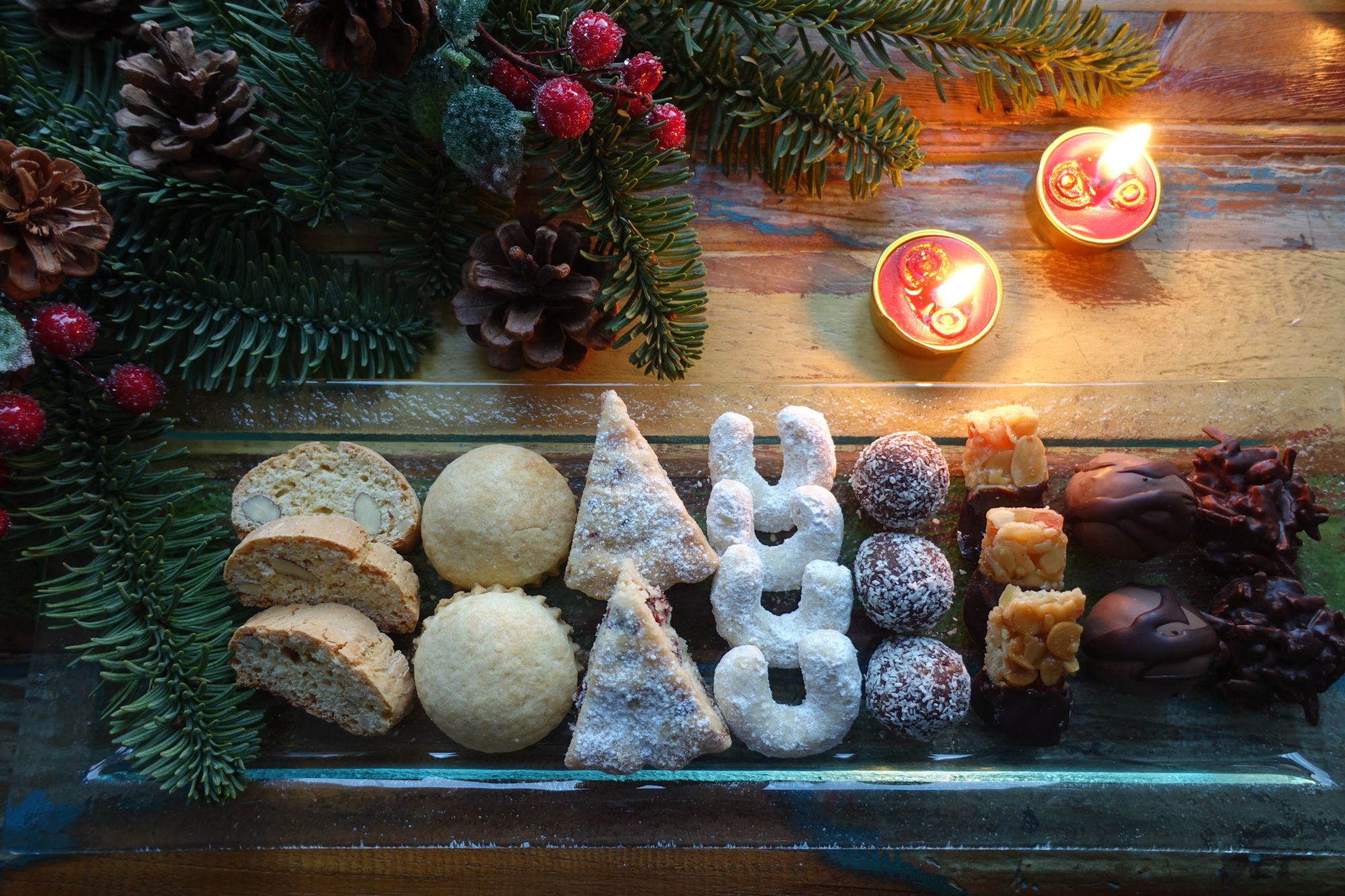 Es Weihnachtet Beim Fotoprojekt 12 Von 12 Gedichte Uber Schwarz Weisse Weihnachten Von Christine Frey Ist Ein Bu Weisse Weihnachten Weihnachtszeit Weihnachten