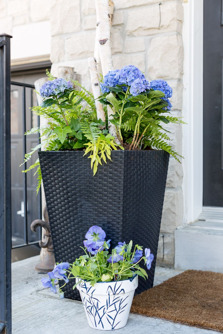 Front Porch Planters With Images Front Door Planters