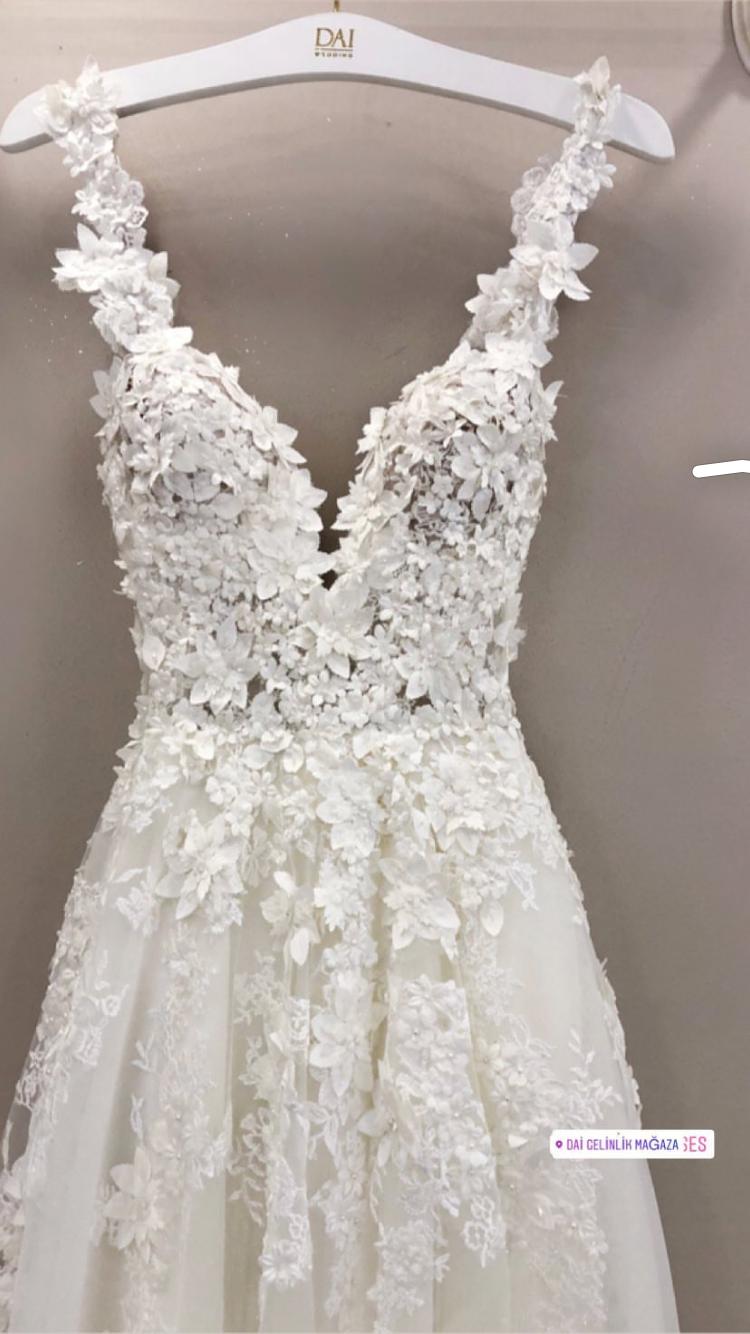 Pin by Lea Güleryüz on Gelinlik  Wedding dresses, Wedding dresses