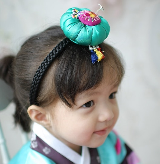 70.00$  Buy now - http://ali6ct.worldwells.pw/go.php?t=32784879690 - Multi Designs White Lace Beading Head Veil Headband Imported Traditional Korea Little Girls' Hair Clip Hair Accessory Hair Band 70.00$