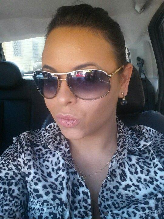 Beijo pra você que trabalha no horário do almoço! #euadoro#comomenos#blogcharmecharmosa# www.charmecharmosa.wordpress.com